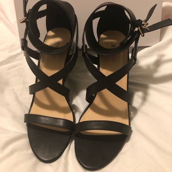 JustFab Shoes - Brand new wedge sandals